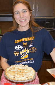 Art teacher Deanne Basse teaches students to make pies to bring home for Thanksgiving.