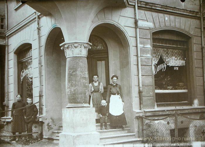 Budynek w którym mieści się cukiernia Paradowski przed wojną. Żródło: http://danzig-online.pl/