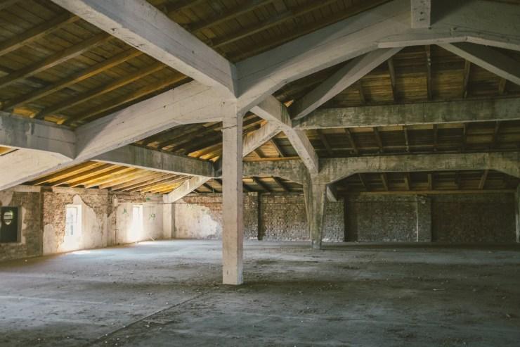 Wnętrza budynku Mleczny Piotr - III piętro, na którym znajdzie się przestrzeń wystawiennicza / fot. Jakub Knera