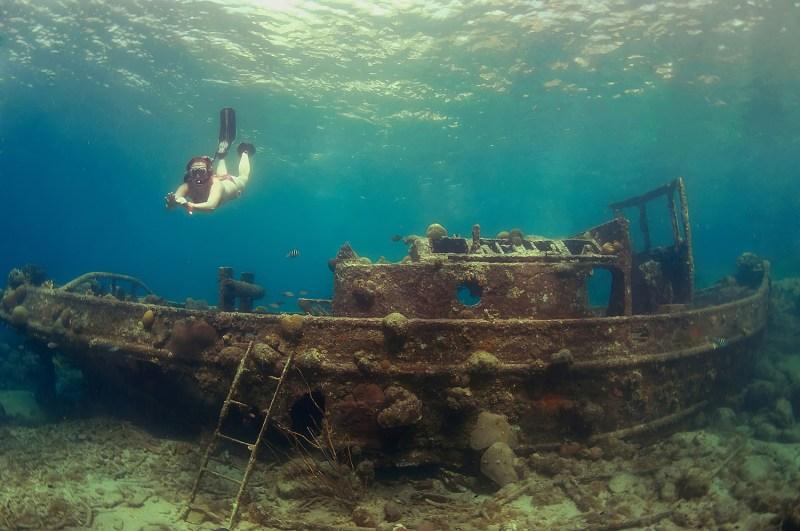 Le Tugboat, une épave au large de Curacao / @curacao.com