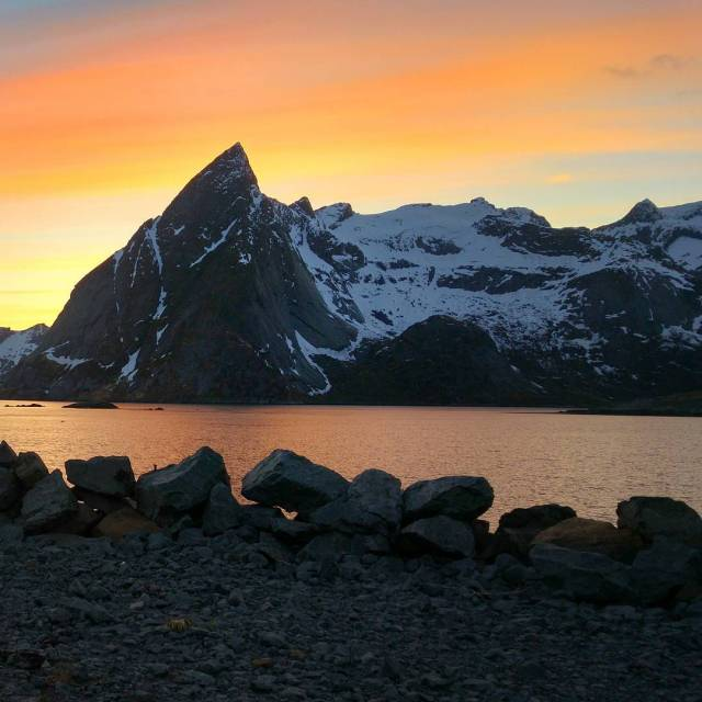 Sweet Dreams Lofoten Norway norge norgephoto rorbuer instapict sunset