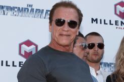 #1 Arnold Schwarzenegger como Capitán América