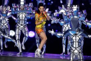 NowNews : Katy Perry sorprendió al Super Bowl en el medio tiempo.