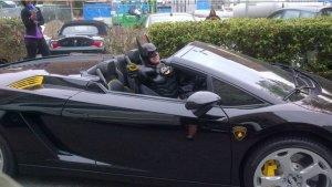 """#LoMasViral Muere atropellado Batman """"El caballero de la noche"""""""