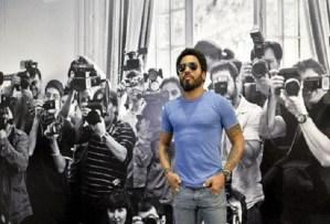 """#NowNews: Lenny Kravitz devela su exposición fotográfica """"Flash"""" en Viena"""