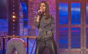 "#Entérate Victoria Justice canta al estilo de Nelly con ""Hot in Here"" en Lip Sync battle."