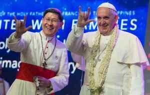 #CURIOSIDADES ¡ El papa Francisco se lanza como rockstar (+AUDIO)