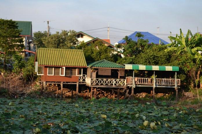habitation sur pilotis thailande ayutthaya nowrries