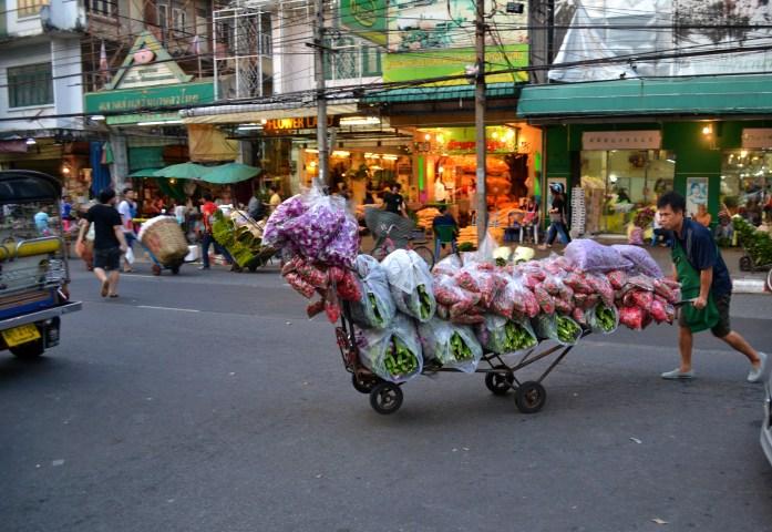 Bangkok marche fleurs flowers market pak khlong talat noworries