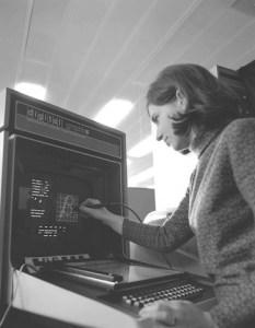 Susan Hockey Font Defining on the VT15 31.10.72