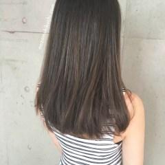 イルミナカラーで暗めでも外国人風な髪色にしたストレートのセミロング1