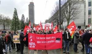 le_npa_a_la_manifestation_de_nantes_samedi_22_fevrier_credit_maloleonar[1]