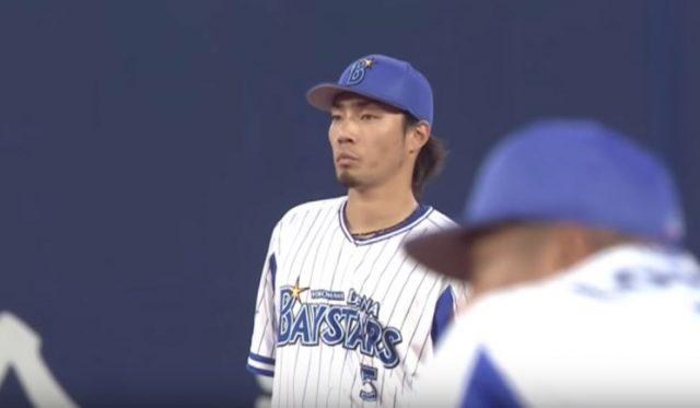 【悲報】 倉本内野手の悪気のないただのエラー動画が一週間で77万回再生