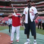 サッカー解説「彼は160cmと小柄ですが」←分かる 野球解説「彼は170cmと小柄ですが」←まぁ分かる