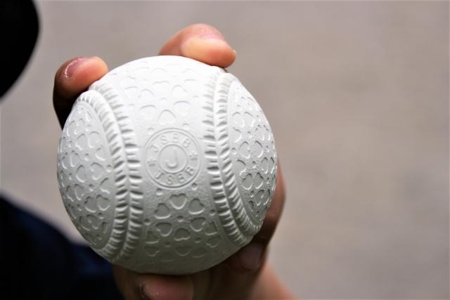 【悲報】軟式少年野球にも球数制限…1日70球まで