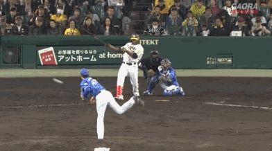 【GIF】阪神ガルシア、アニキ金本みたいな片手打ちでタイムリーを放つ