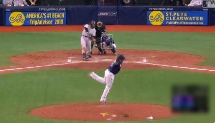 【朗報】メジャーにパワプロみたいな変化球を投げる投手が現れる