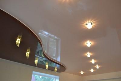 Два уровня потолка