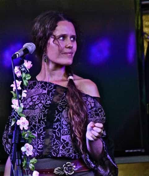 Cassie Bennett : Voice