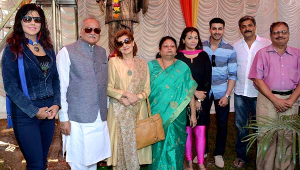 Bollywood came to pay tribute to Dada Saheb Phalke on his 71st death anniversary at Fimcity