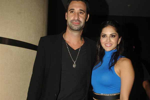 Daniel Weber takes Hindi lessons from wife Sunny Leone