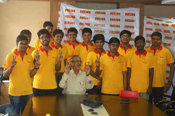 FIITJEE Delhi Students create history by bagging all top 10 Delhi State Ranks in JEE Advanced 2015