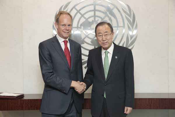 Matthew Rycroft of the UK Mission to the UN at the Security Council Meeting on Peacekeeping Operations