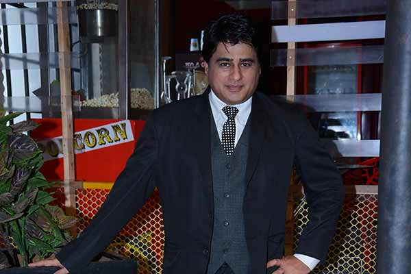 Ayub Khan shoots for Badtameez Dil despite fasting for Eid