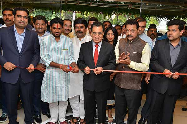 Kalyan Jewellers opens its 2nd showroom in Pune