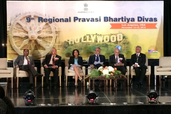 Dr. Seema Jain leads AAPI Delegation at 2015 regional Pravasi Bharatiya Divas in LA