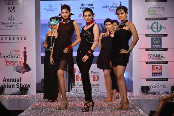 "Students of INIFD Deccan Showcased ""The Unbroken Bond"""