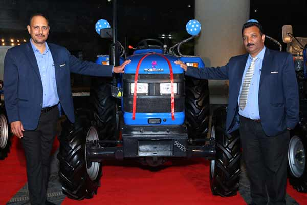 """Sonalika ITL unveils technologically advanced """"DI 750 III HDM"""", """"Rx 47 4WD"""" and """"GARDENTRAC 22"""" for Maharashtra farmers"""