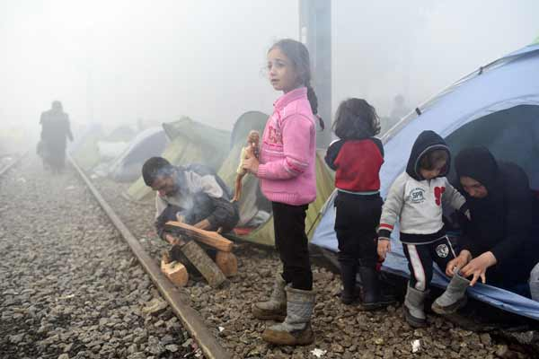 Greece: UN agency urges full hearings for stranded refugee and migrant children
