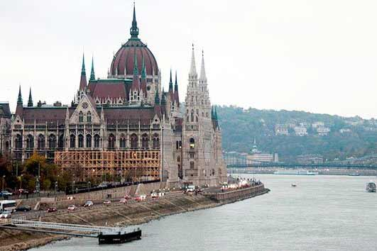 EBRD adopts new country strategy for Hungary