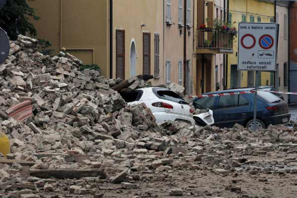 President of India writes to President of Italy conveying condoles on loss of lives in earthquake in Italy