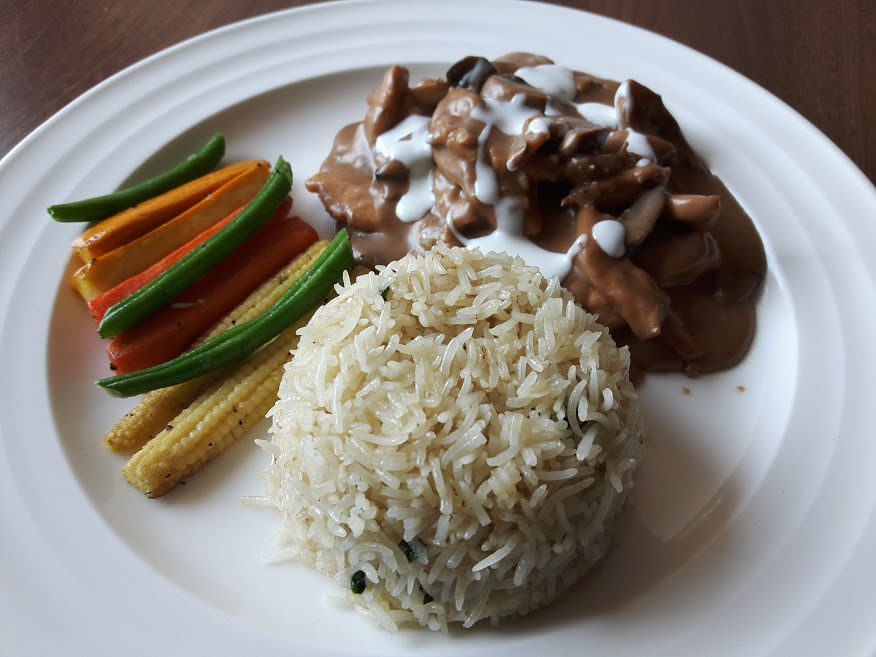 Beat the weekday blues with INCOSIA's Express Lunch Menu