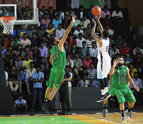 Hyderabad Sky mounts a comeback to defeat Bengaluru Sky behind Tevin Kelly's 51 points