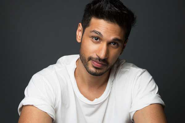 Pop Star Arjun Kanungo gives you 5 reasons to listen to his mashup and we love them all!
