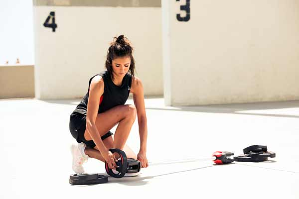 NINA DOBREV JOINS GLOBAL FITNESS PARTNERS REEBOK X LES MILLS
