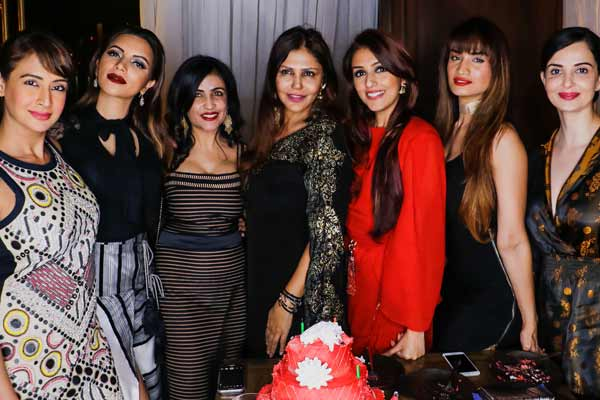Birthday bash of Actor - Director Aarti Chabria & success bash of her Internationally renowned short film Mumbai-Varanasi Express