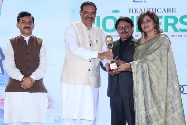 Cleopatra Spa & makeovers felicitated for commendable contribution in field of wellness & health.
