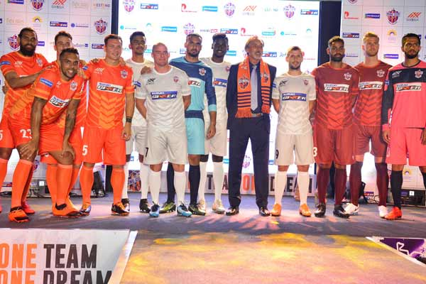 Suzuki Gixxer announces its partnership as the lead sponsor of FC Pune City in Indian Super League for the second year