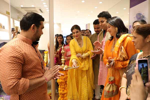 PNG Jewellers'  launches its first franchise store in Aundh