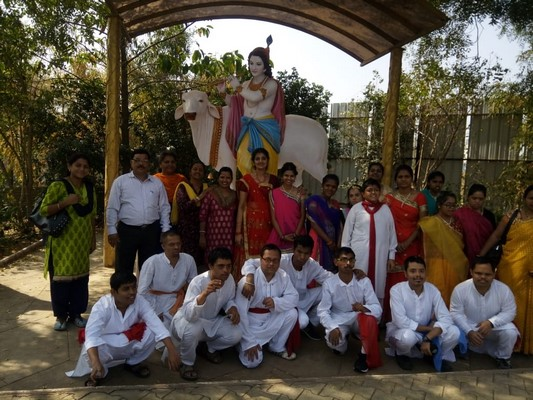 During 'World Disability Week', 300 children of Kamayani School invited to spend the day at Punyadham Ashram