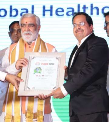 Pune's leading Cancer Surgeon Dr. Sumit Shah honoured with 'Promising Surgical Oncologist 2019' award