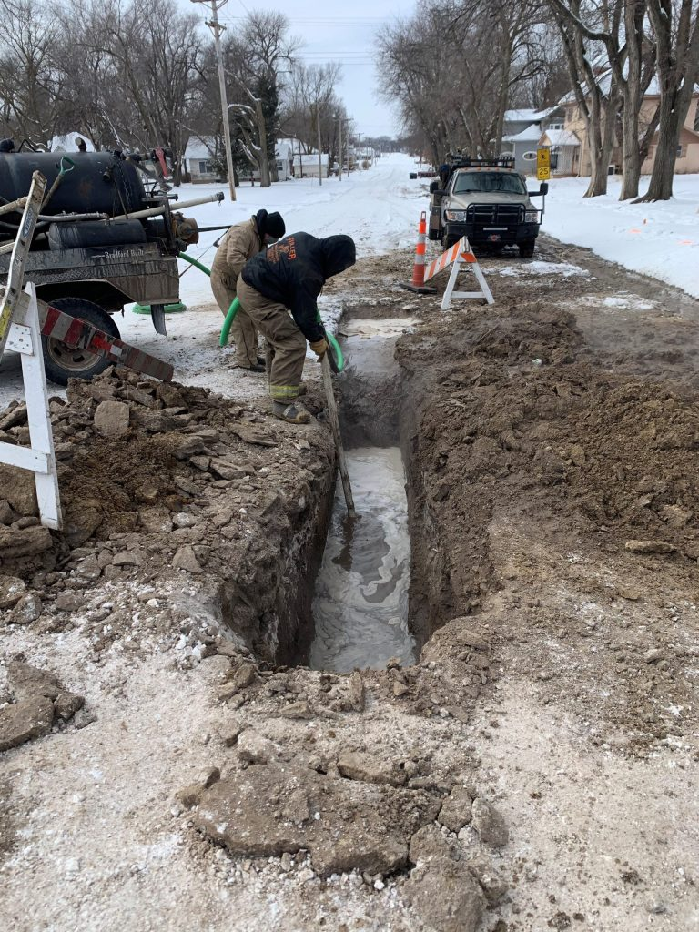 Schwindamann assisting the city of Republic, Kansas with a water main break.