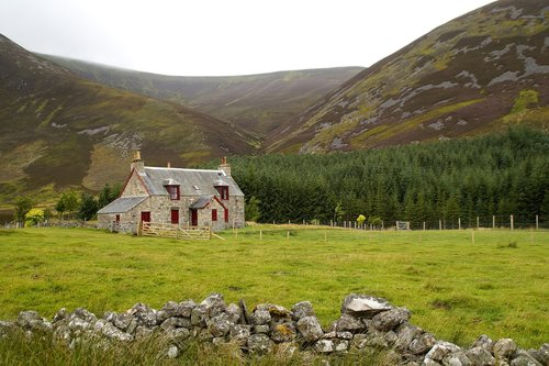 house in the Scottish Highlands