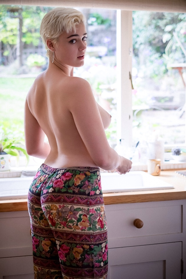sexy blonde doing dishes.jpg
