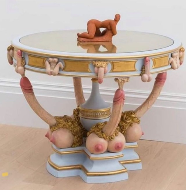 titty dick table