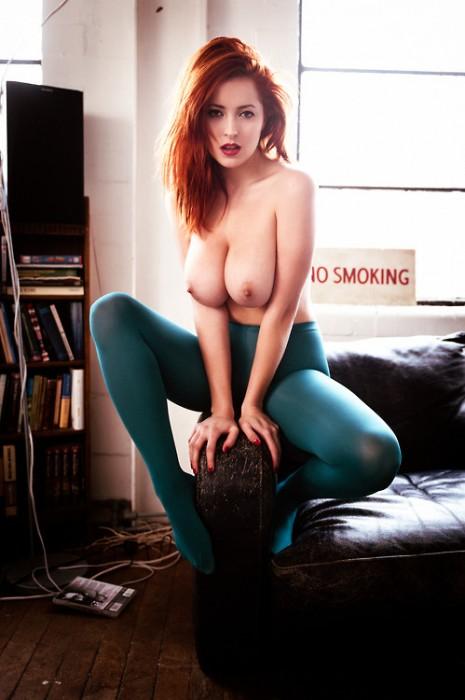 NoSmoking-Redhead-in-Tights-Imgur.jpg (94 KB)